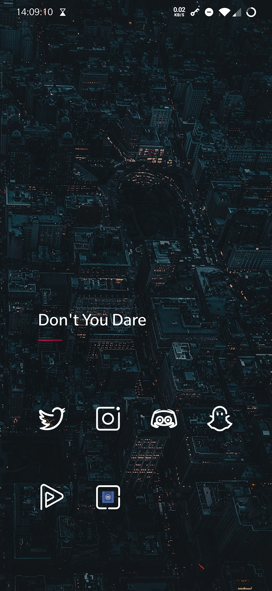 Folder named 'Don't you Dare' with Social Media apps